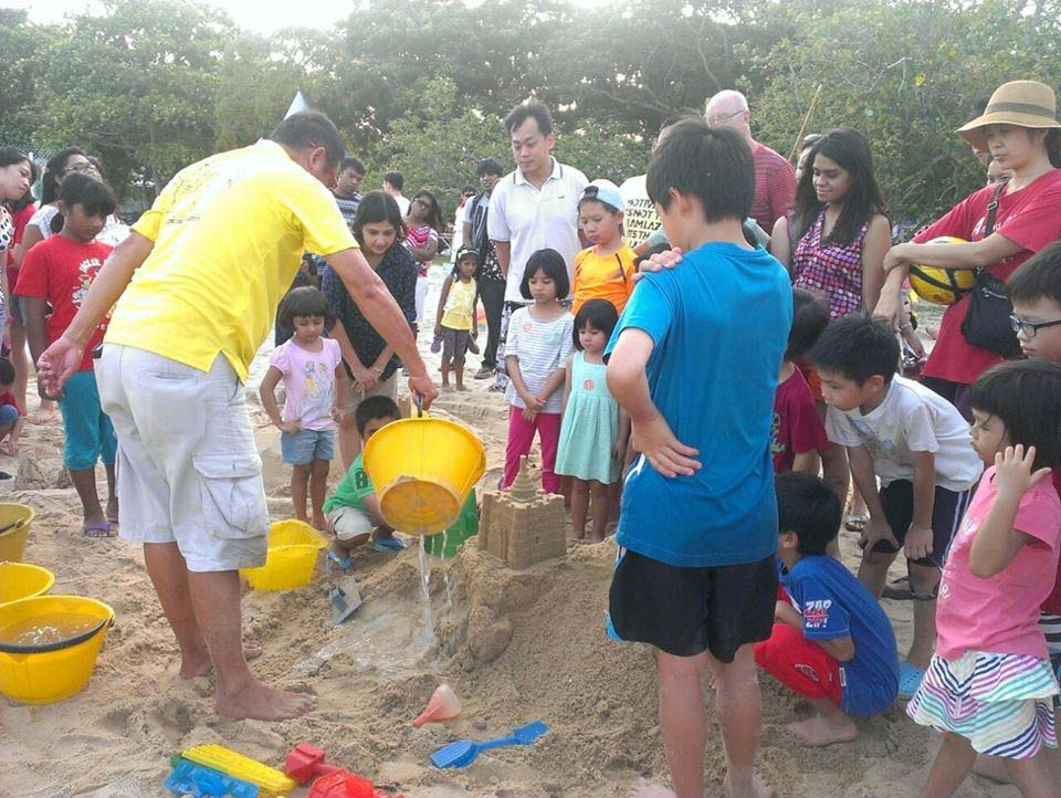 Fun with Sandcastle On this beautiful windy Saturday afternoon, over 20 families came down to East Coast Park to enjoy the Sandcastle building activity. Both adults and kids had a fun time learning how to make a good sandcastle from the experts. They put their learning to action and created […]